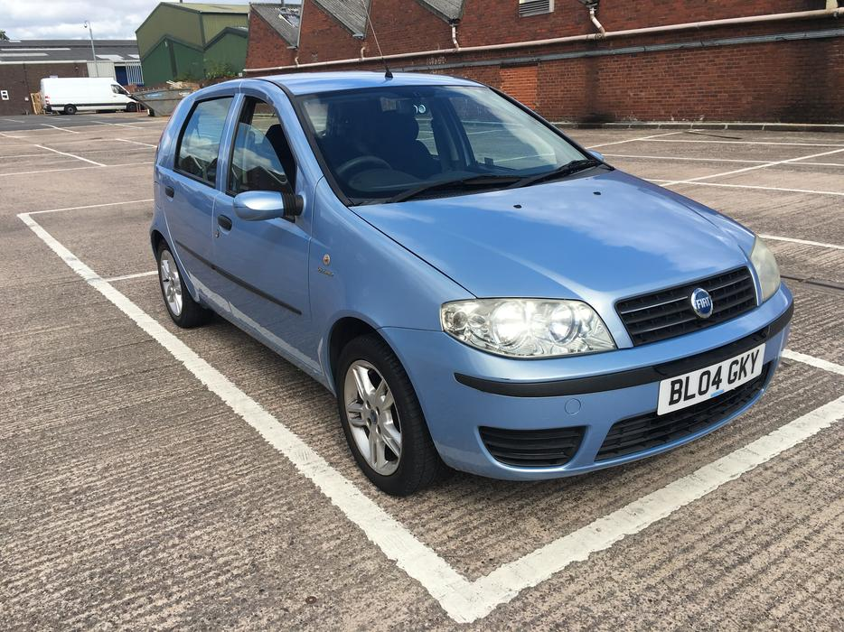 automatic fiat punto 1 2 5dr 2004 model 85000 on clock nice drive walsall wolverhampton. Black Bedroom Furniture Sets. Home Design Ideas