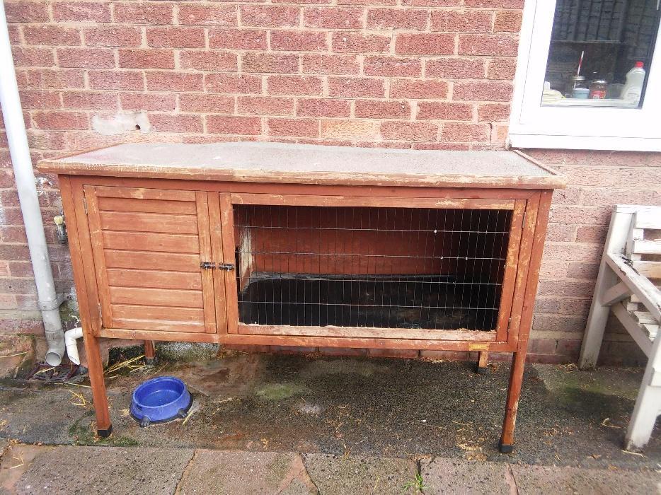 5ft rabbit hutch wolverhampton dudley for 5 foot rabbit hutch