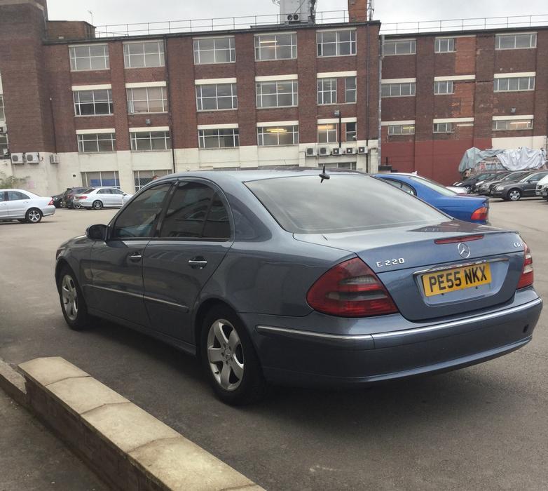 2005 55 mercedes benz e220 cdi avantgarde 4dr saloon e240 for Mercedes benz north ave chicago