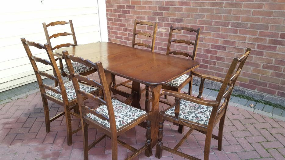 Dining Table and Chairs WALSALL Wolverhampton : 106102297934 from www.usedwolverhampton.co.uk size 934 x 525 jpeg 96kB