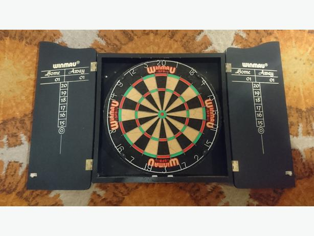 WINMAU HEAVY FULL SIZE PROFESSIONAL DARTBOARD WALL CABINET GAMES ROOM MANCAVE GC