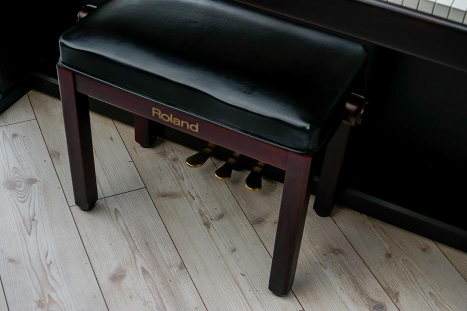roland digital piano 88 keys full size hammer action weighted keyboard stool city centre. Black Bedroom Furniture Sets. Home Design Ideas