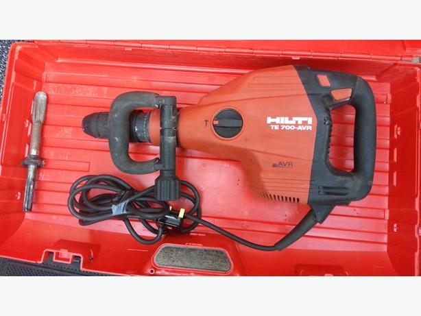 HILTI TE 700-AVR 240v 1300W 7.2kg SDS MAX INDUSTRIAL DEMOLITION BREAKER