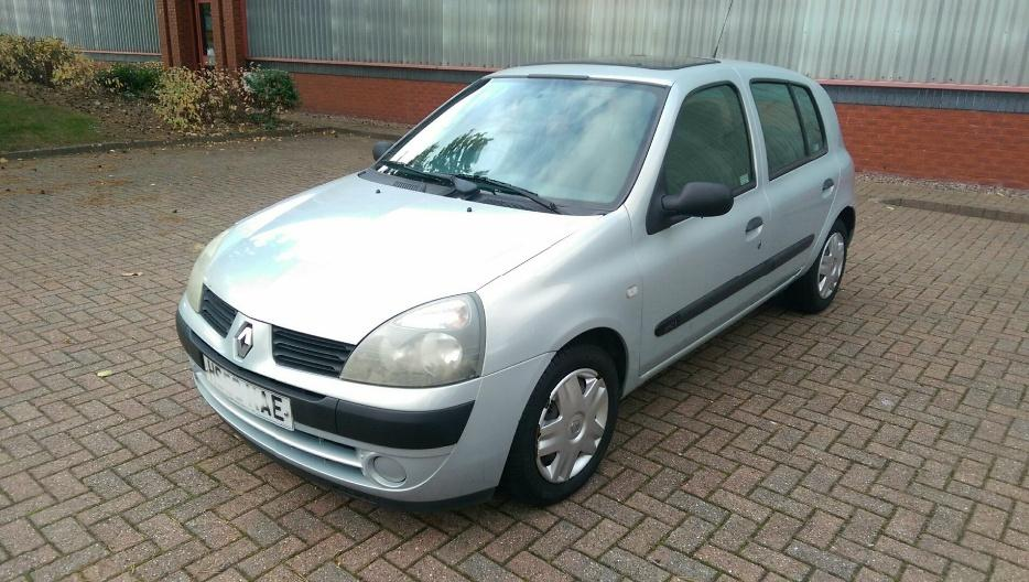 2004 renault clio 1 5 dci expression 80 fsh 2 owners immaculate corsa peugeot wednesbury dudley. Black Bedroom Furniture Sets. Home Design Ideas