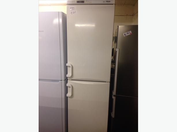 sale price miele frost free fridge freezer wolverhampton. Black Bedroom Furniture Sets. Home Design Ideas