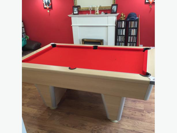 Red Cloth Slate Bed Pool Table
