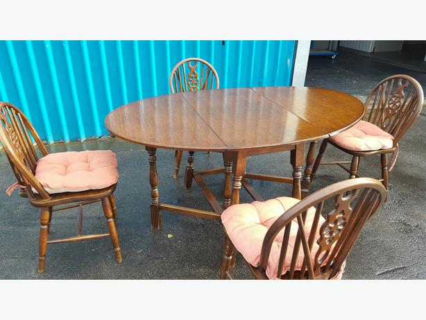 Dining Table and Chairs WALSALL Wolverhampton MOBILE : 106134196614 from www.usedwolverhampton.co.uk size 614 x 461 jpeg 48kB