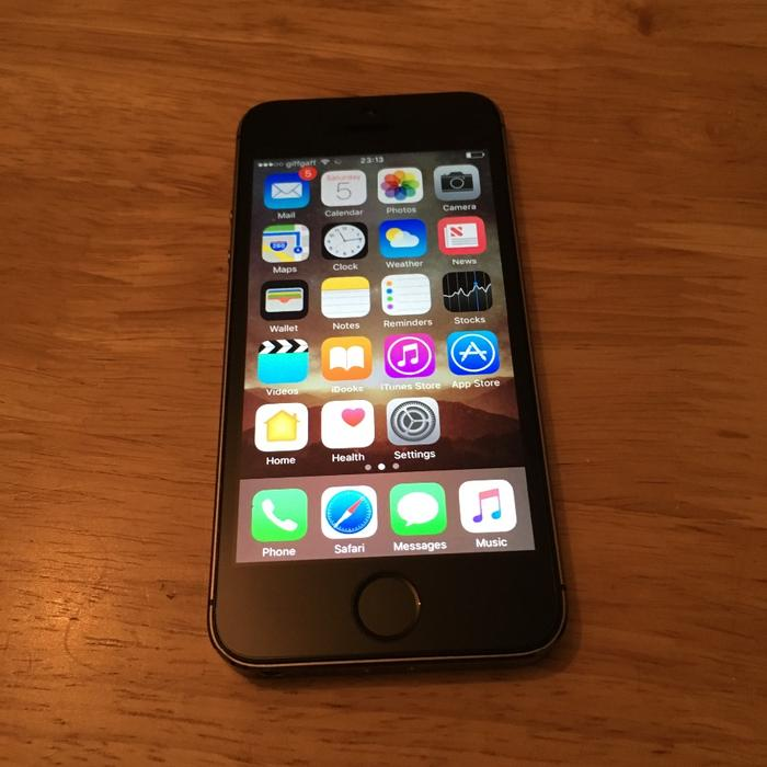 iphone 5s 32 gb iphone 5s 32gb space grey unlocked west bromwich sandwell 1156