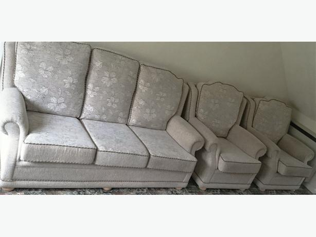 Sofa And Matching Armchairs Rowley Regis Walsall