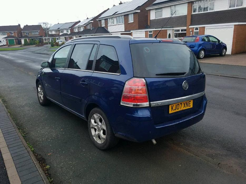 2007 07 vauxhall zafira 1 8 very low mileage 1 owner new cambelt halesowen dudley mobile. Black Bedroom Furniture Sets. Home Design Ideas
