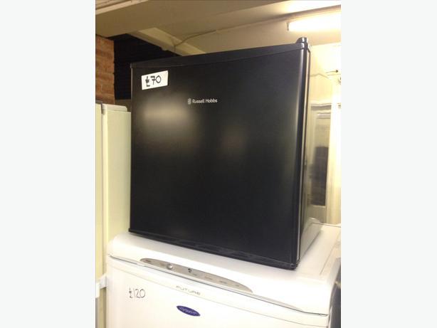 counter top russell hobbs fridge black wolverhampton dudley. Black Bedroom Furniture Sets. Home Design Ideas