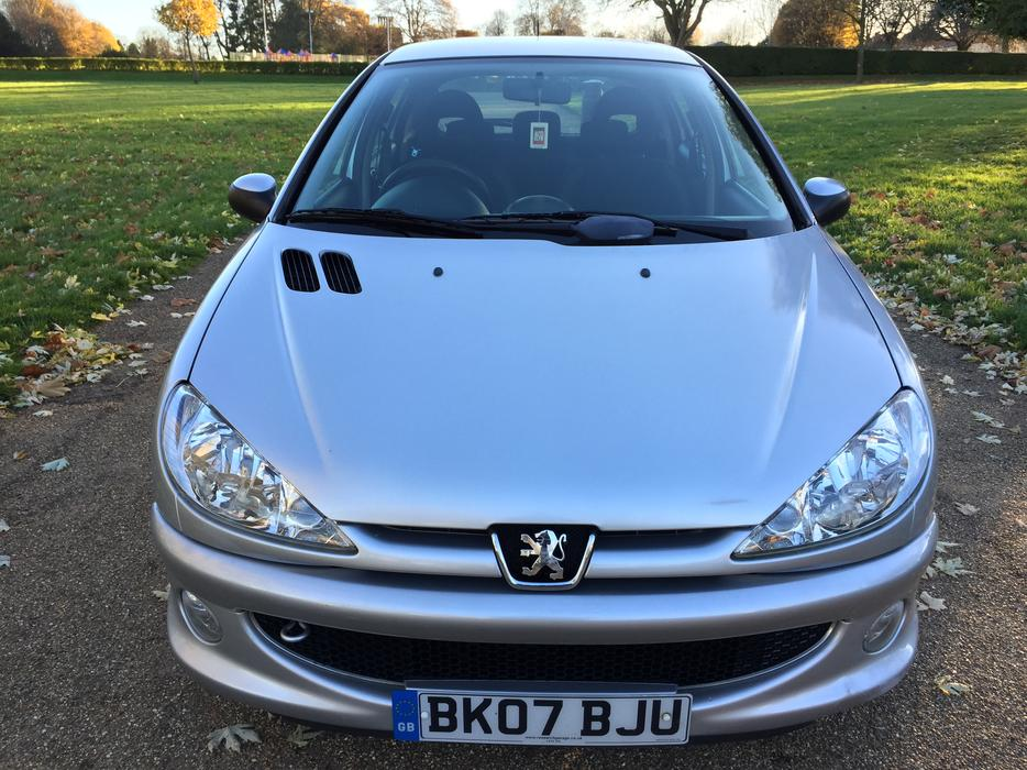 2007 peugeot 207 1 4 hdi look part exchange available dudley dudley. Black Bedroom Furniture Sets. Home Design Ideas
