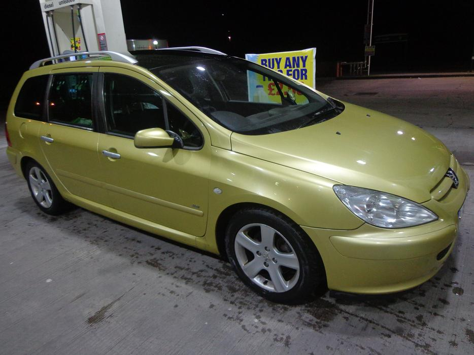 54 Reg Top Spec 7 Seater Peugeot 307 Diesel 12 Months Mot Tax Free Delivery Other Black Country