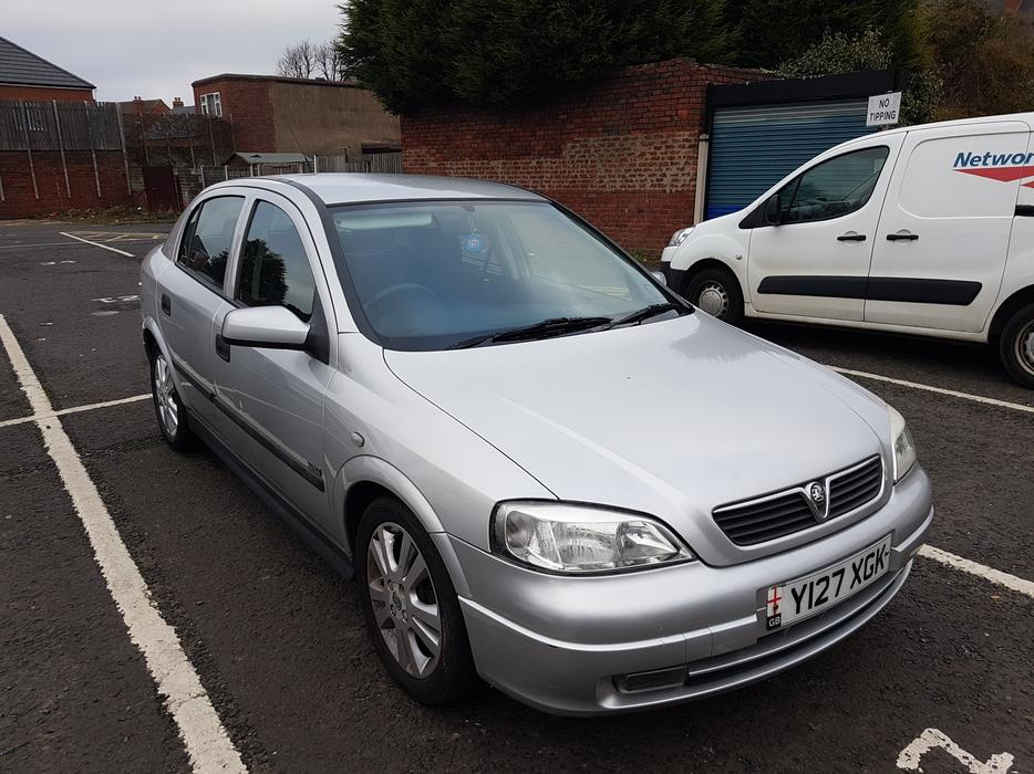 vauxhall astra 1 6 16v 2001 12 month mot halesowen dudley. Black Bedroom Furniture Sets. Home Design Ideas