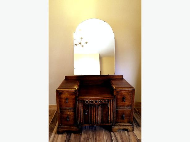 Solid Oak dressing table..