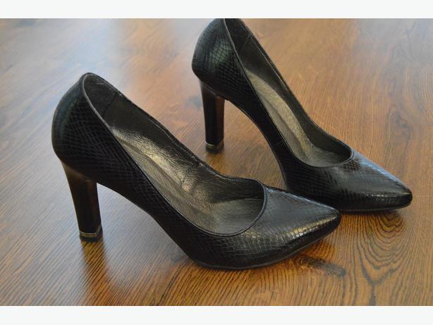 black shoes size 4 for sale