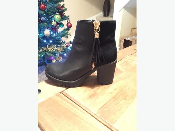 Size 3 River Island Ankle Boots
