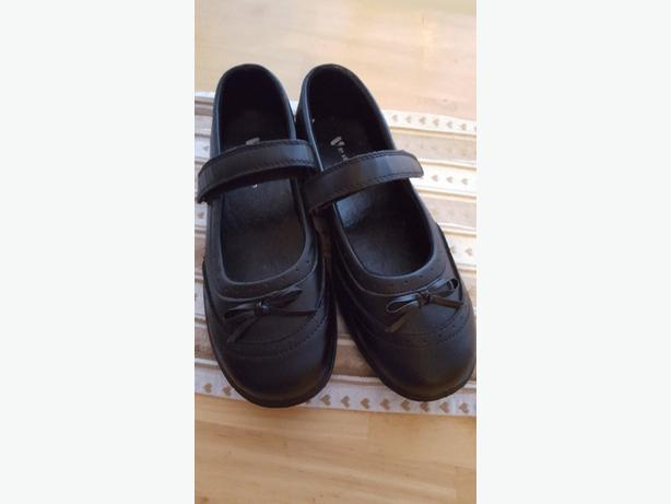 size 3 school shoes
