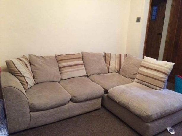 Fabric corner sofa with cushions in good condition // free delivery