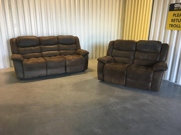 3 + 2 suede recliner set sofas in good condition // free delivery