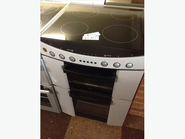 60CM FAN ASSISTED DOUBLE OVEN ZANUSSI ELECTRIC COOKER