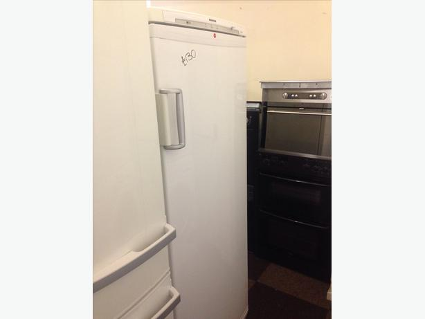 HOOVER WHITE FREEZER 6 DRAWERS