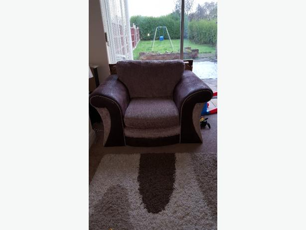 3 seater settee and arm chair