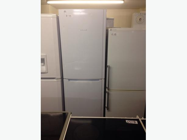 HOTPOINT TALL WHITE FRIDGE FREEZER