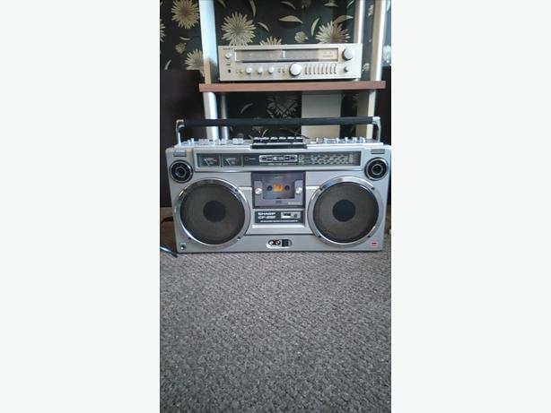 vintage Sharp gf 9191 stereo radio cassette / ghetto blasster 1979