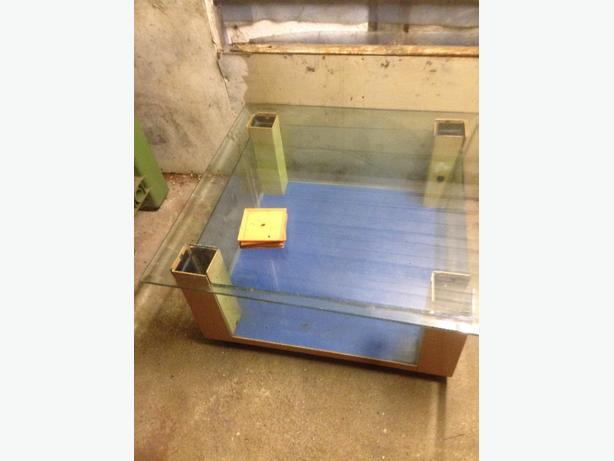 tabble fish tank