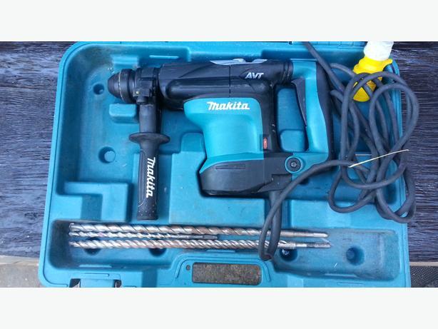 MAKITA HR3210C 4KG SDS ROTARY HAMMER DRILL 110V