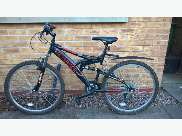 "Men's mountain bike, 19"" frame, 26"" wheels, VGC"