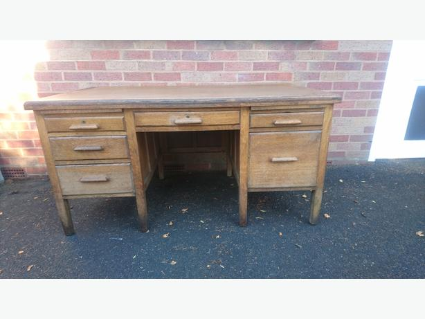 VINTAGE 1940S LARGE OAK QUALITY ASTROLA INDUSTRIAL OFFICE DESK DECOR