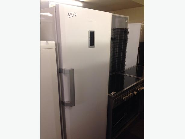 BLOMBERG WHITE FREEZER
