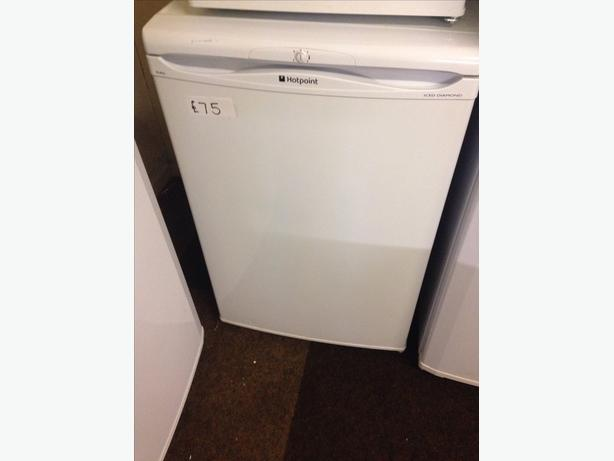 HOTPOINT UNDER COUNTER WHITE FRIDGE