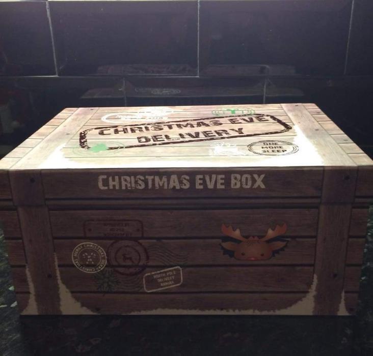 2 Christmas Eve Boxes Wednesbury, Walsall