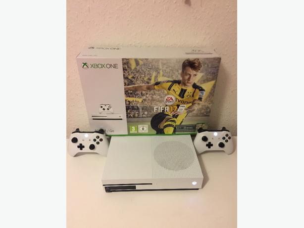 XBOX ONE S (500GB) WHITE WITH 2 CONTROLLERS & FIFA 17