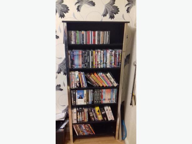 black dvd/CD unit