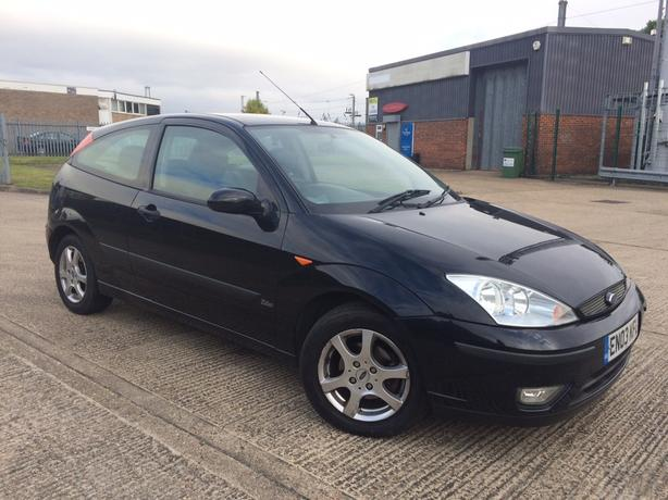 Ford Focus 1.6i Ebony Edition 3dr – VERY RARE CAR !!