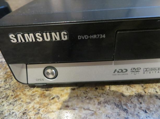SAMSUNG DVD HR 730 DVD PLAYER