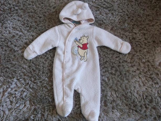 3-6 MONTH DISNEY WINNIE THE POOH FLEECEY ALL IN ONE
