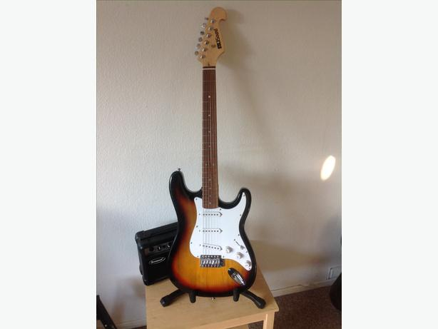 Star sound sunburst strat and amp package