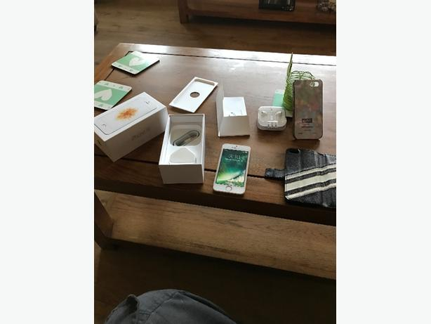 iphone se 16gb as new unlocked gold present