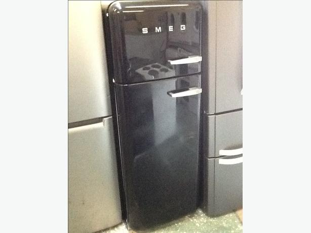 Smeg fridgefreezer black all working