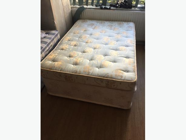 double devane bed and base with 4 draws