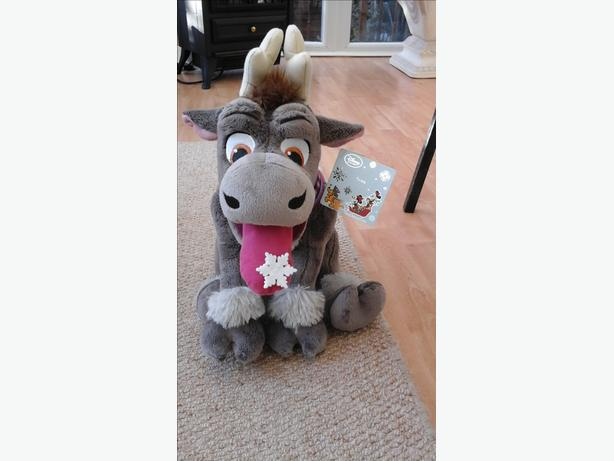Sven from Frozen eating snowflake bnwt