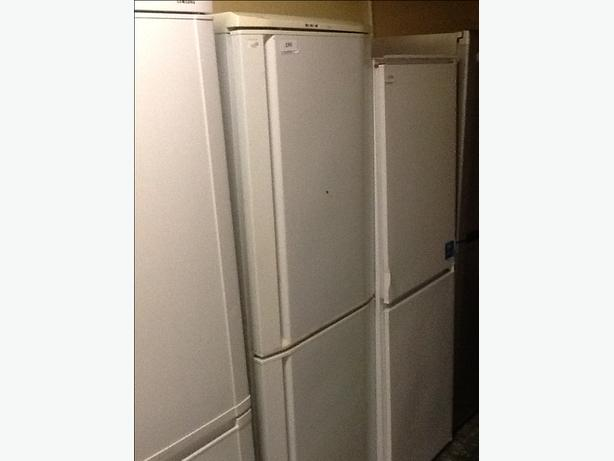 Lec huge fridgefreezer  guaranteed and free delivery
