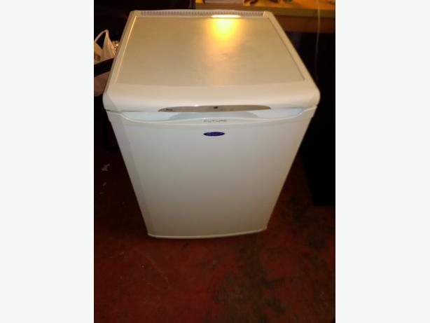 hotpoint undercounter fridge