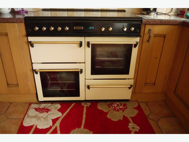 Leisure CM10NRC 100cm Gas Range Cooker  Double Oven in Cream