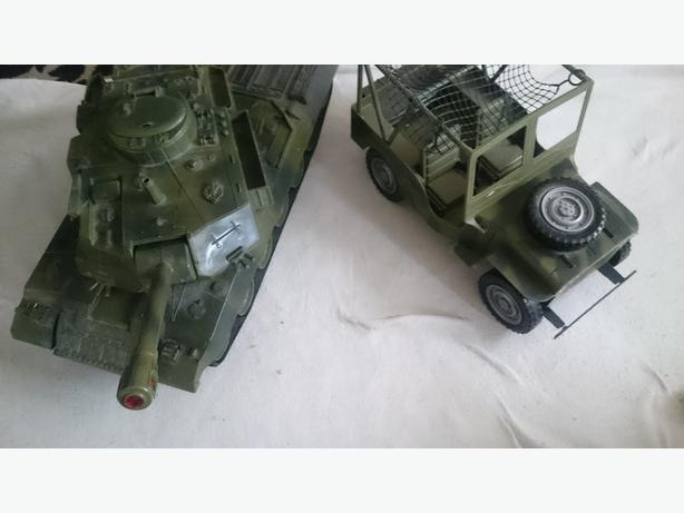 Action man jeep and tank